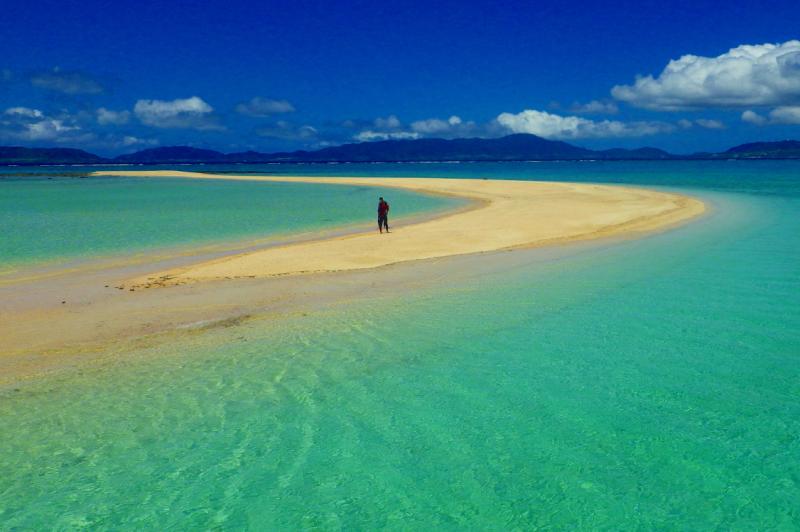 【Aコース】幻の島上陸 + シュノーケリング