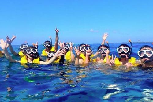 【Sプラン】水納島日帰り海水浴&ボートシュノーケリング&マリンスポーツX3