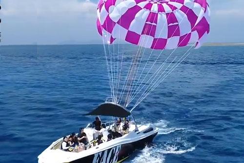 【庆良间诸岛】海上拖曳伞行程!